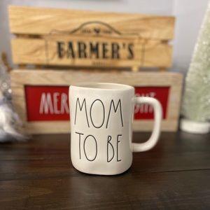 NWT Rae Dunn MOM TO BE Mug